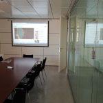 Instalación de sistema multimedia en sala de reuniones