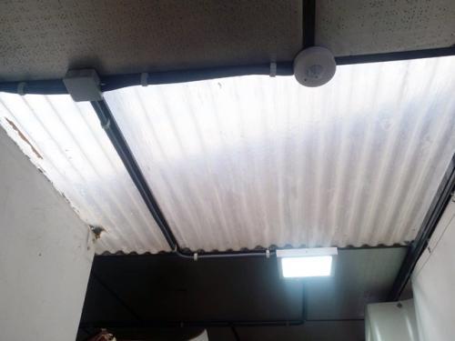 Detector de presencia y panel LED
