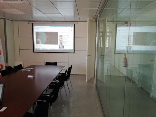 Equipos multimedia para sala de reuniones